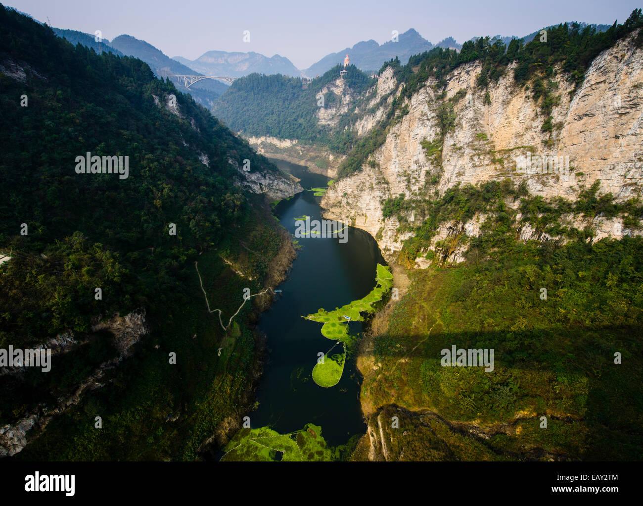 Bridge across the gorges of Guizhou province, China Stock Photo