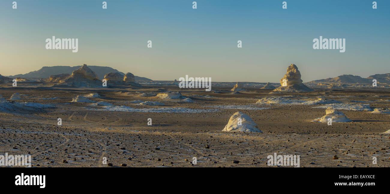 Cretaceous rocks of the White Desert, Sahara, Egypt - Stock Image