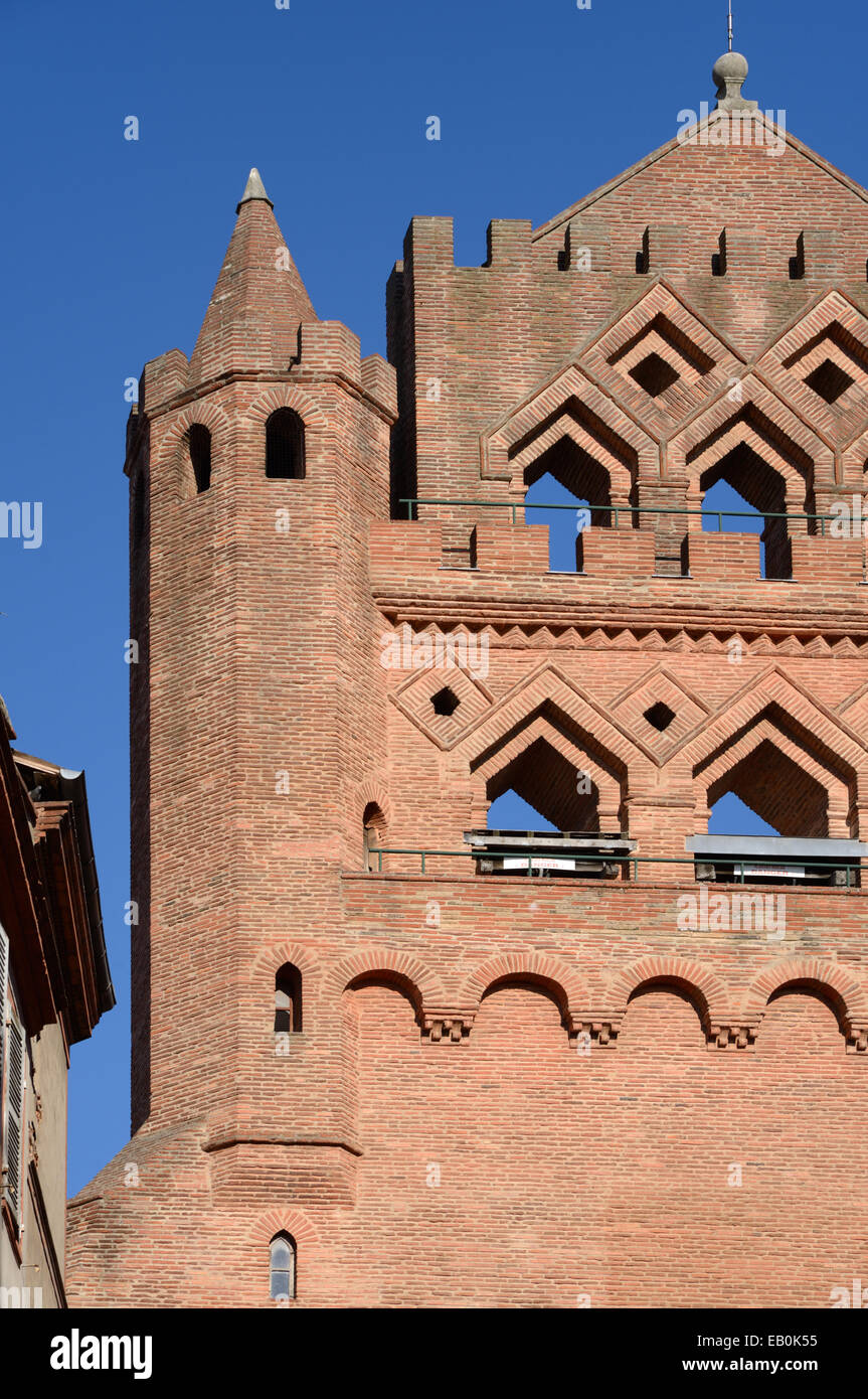 Ornate Red Brick Detail on the Facade of the Gothic Notre Dame de Taur Church (c14th) Toulouse France - Stock Image
