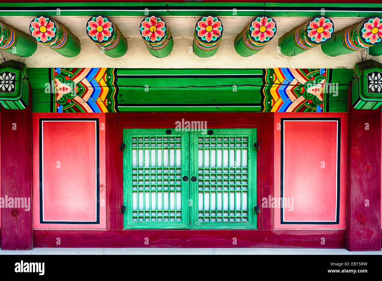 Close Up View of a Traditional Korean House with a Window, Gyeongbokgung Palace, Seoul, South Korea - Stock Image