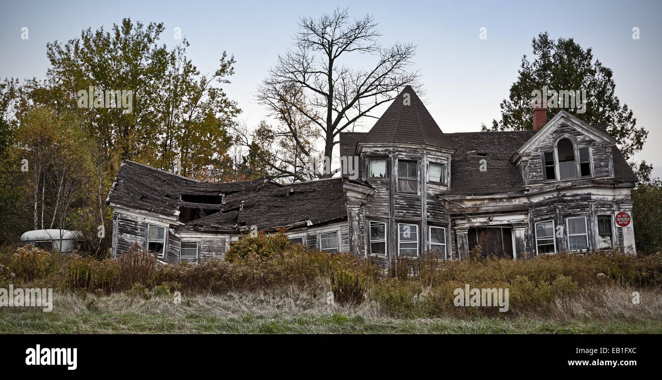 Derelict house at Searsport, Maine, New England, USA - Stock Image