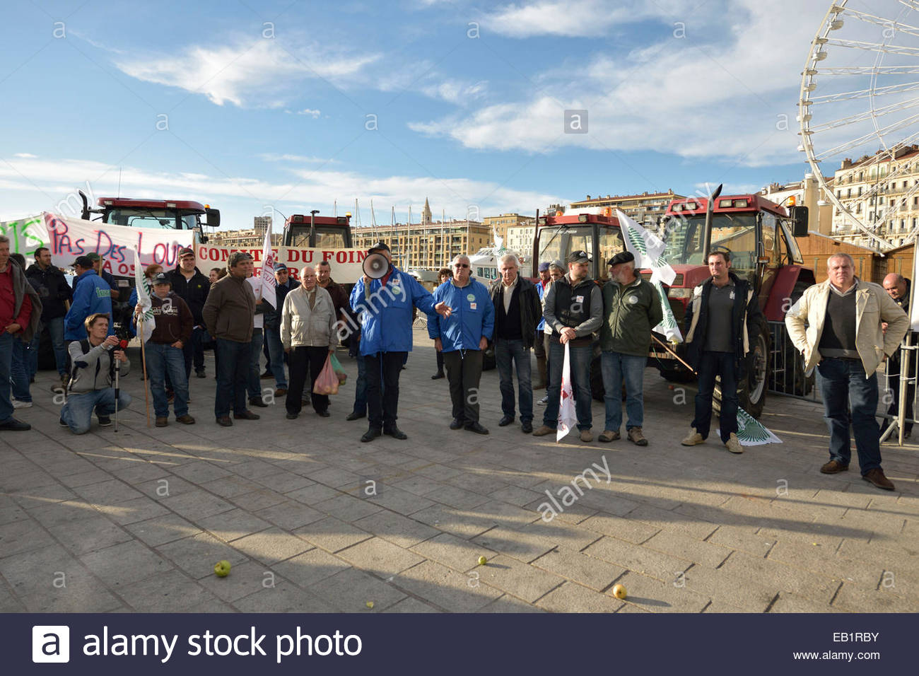 Farmers, breeders, rice farmers demonstration on the Vieux Port and in front of the prefecture of Marseille. Novembre - Stock Image