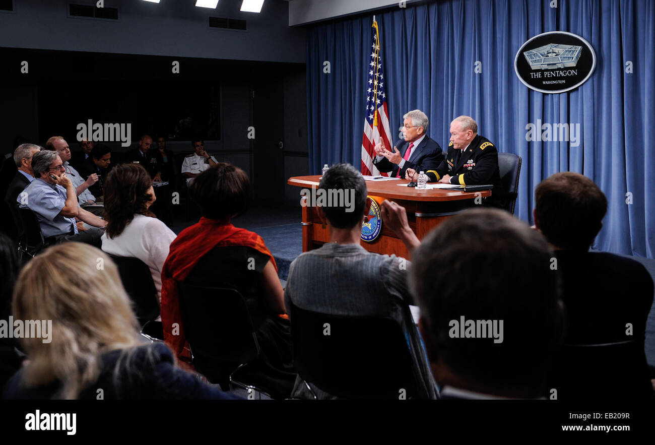 File photo taken on July 3, 2014 shows US Defense Secretary Chuck Hagel speaks at a news briefing at the Pentagon - Stock Image