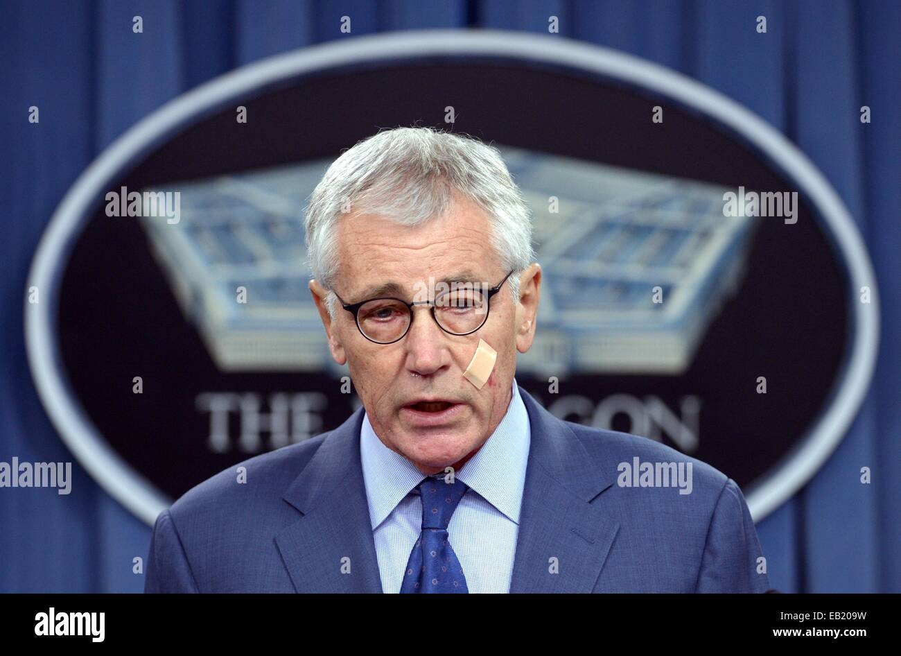 File photo taken on Nov. 14, 2014 shows US Defense Secretary Chuck Hagel speaks at a news briefing at the Pentagon - Stock Image