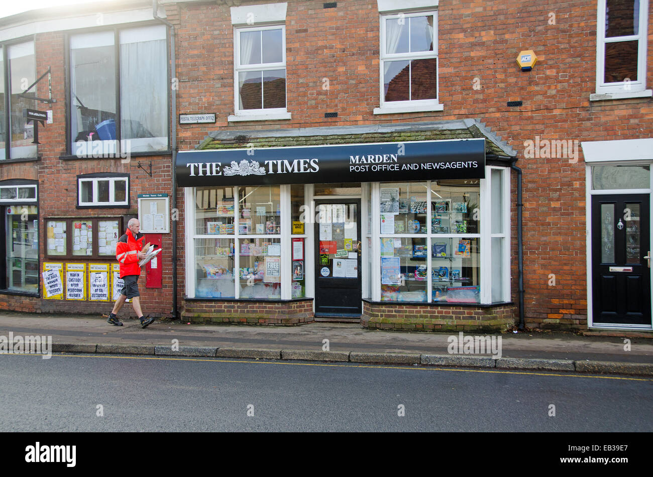 Kent, UK. 25th Nov, 2014. The Natwest Bank Banch in Marden, Kent is closing with effect today, 25 November2014. - Stock Image