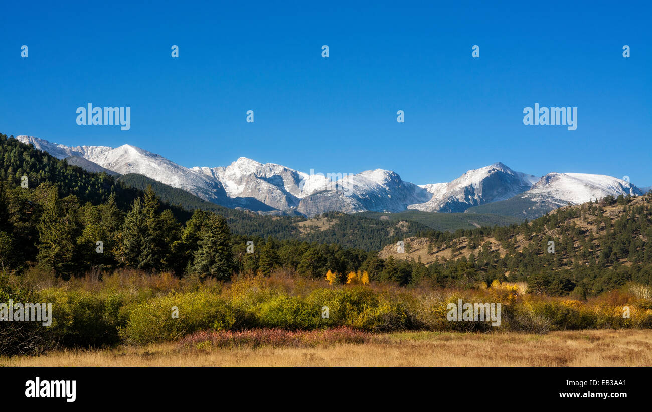 Mountain landscape with clear sky - Stock Image