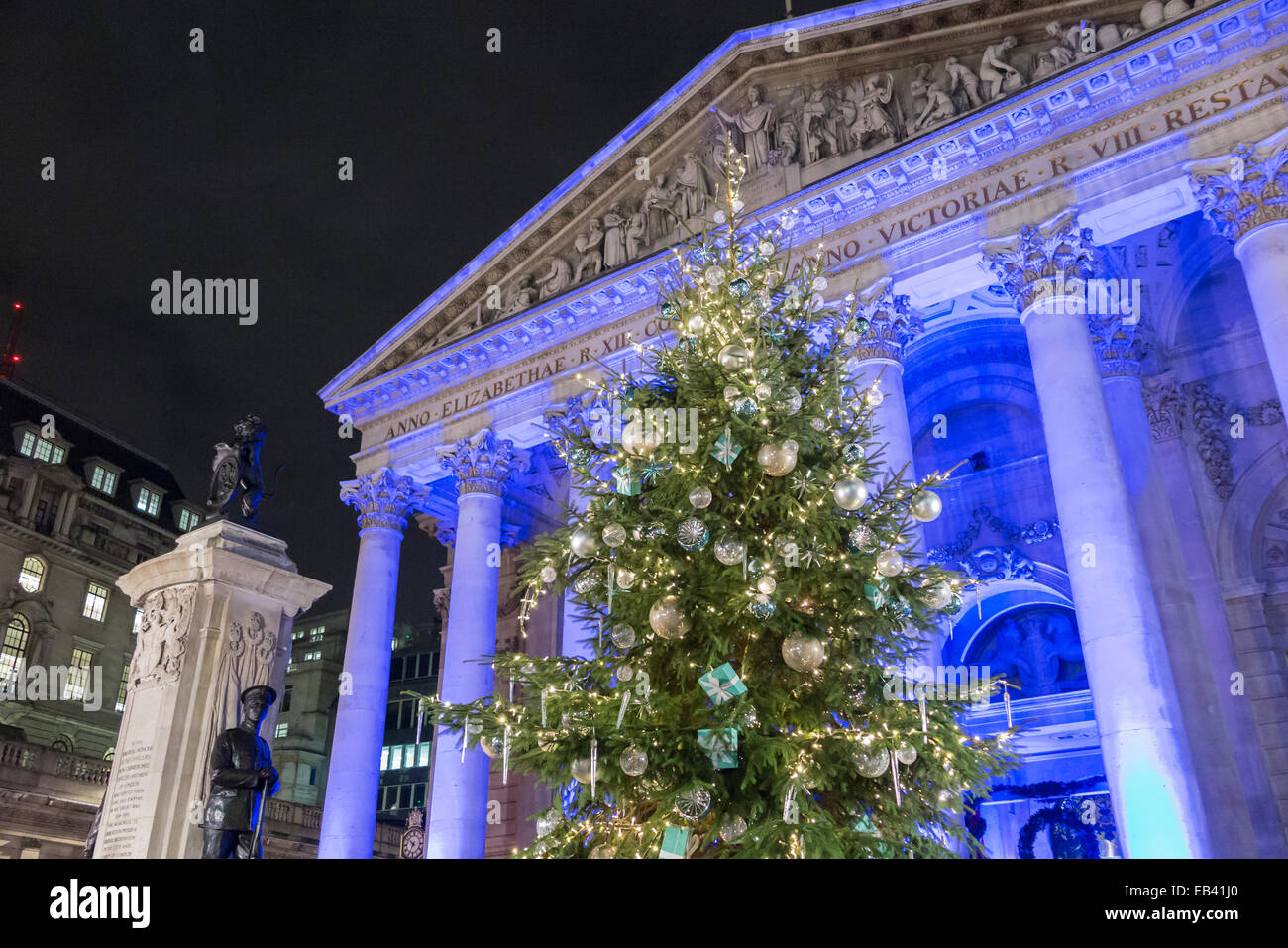 6b50f9ca9 Royal Exchange London Night Christmas Stock Photos & Royal Exchange ...