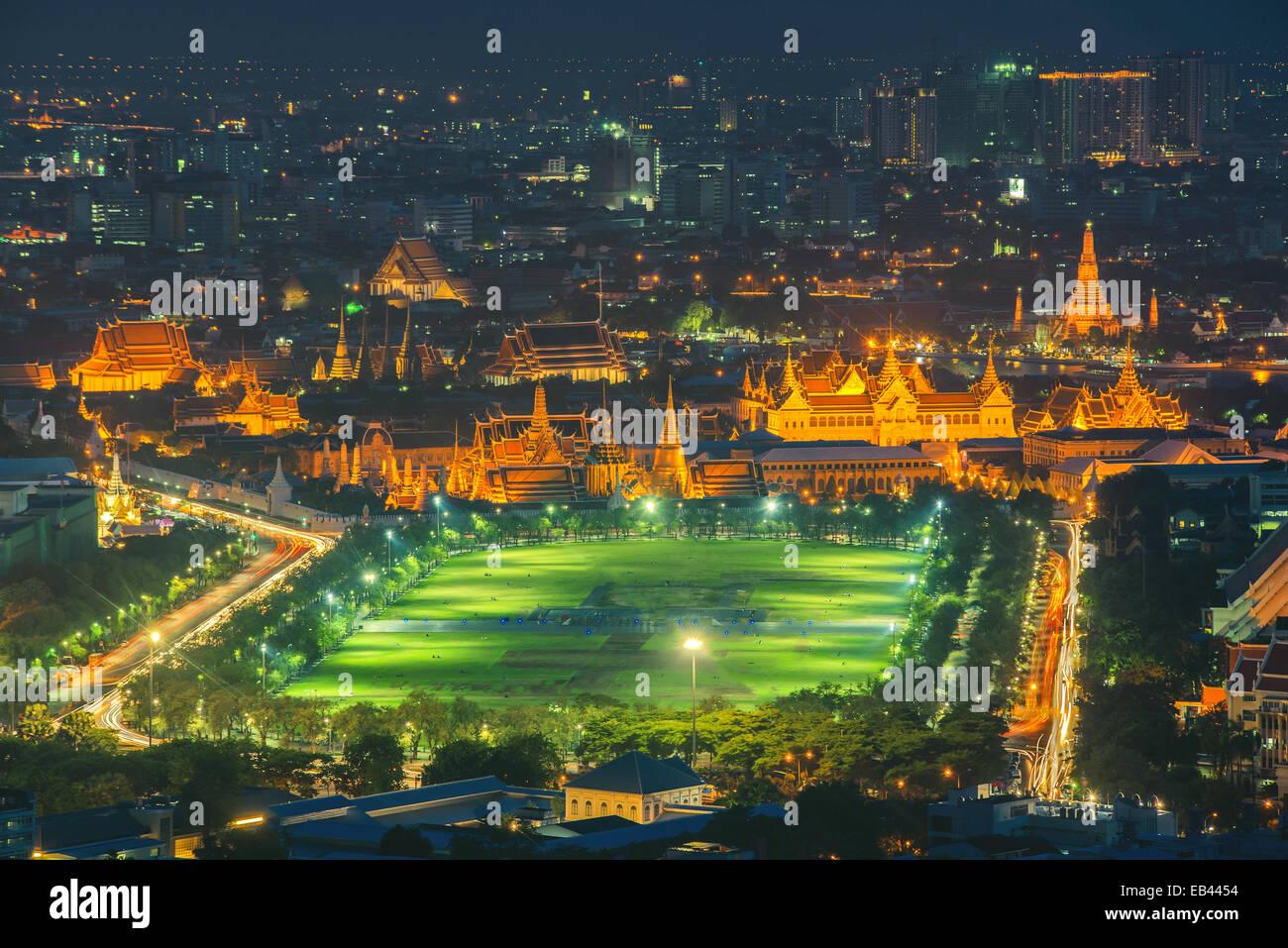 Grand palace at twilight in Bangkok, Thailand - Stock Image