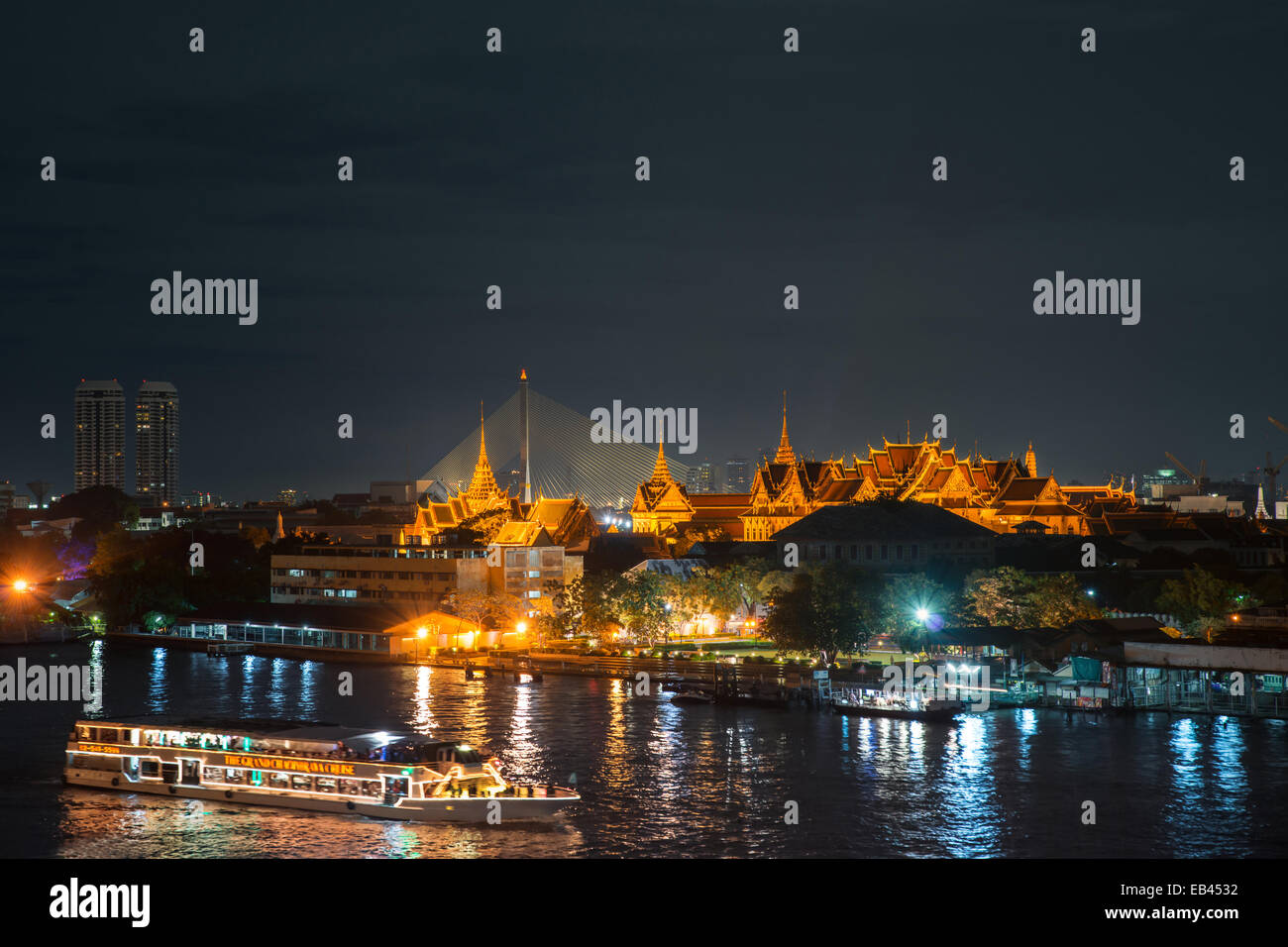 Grand palace and cruise ship night  Bangkok city  Thailand - Stock Image