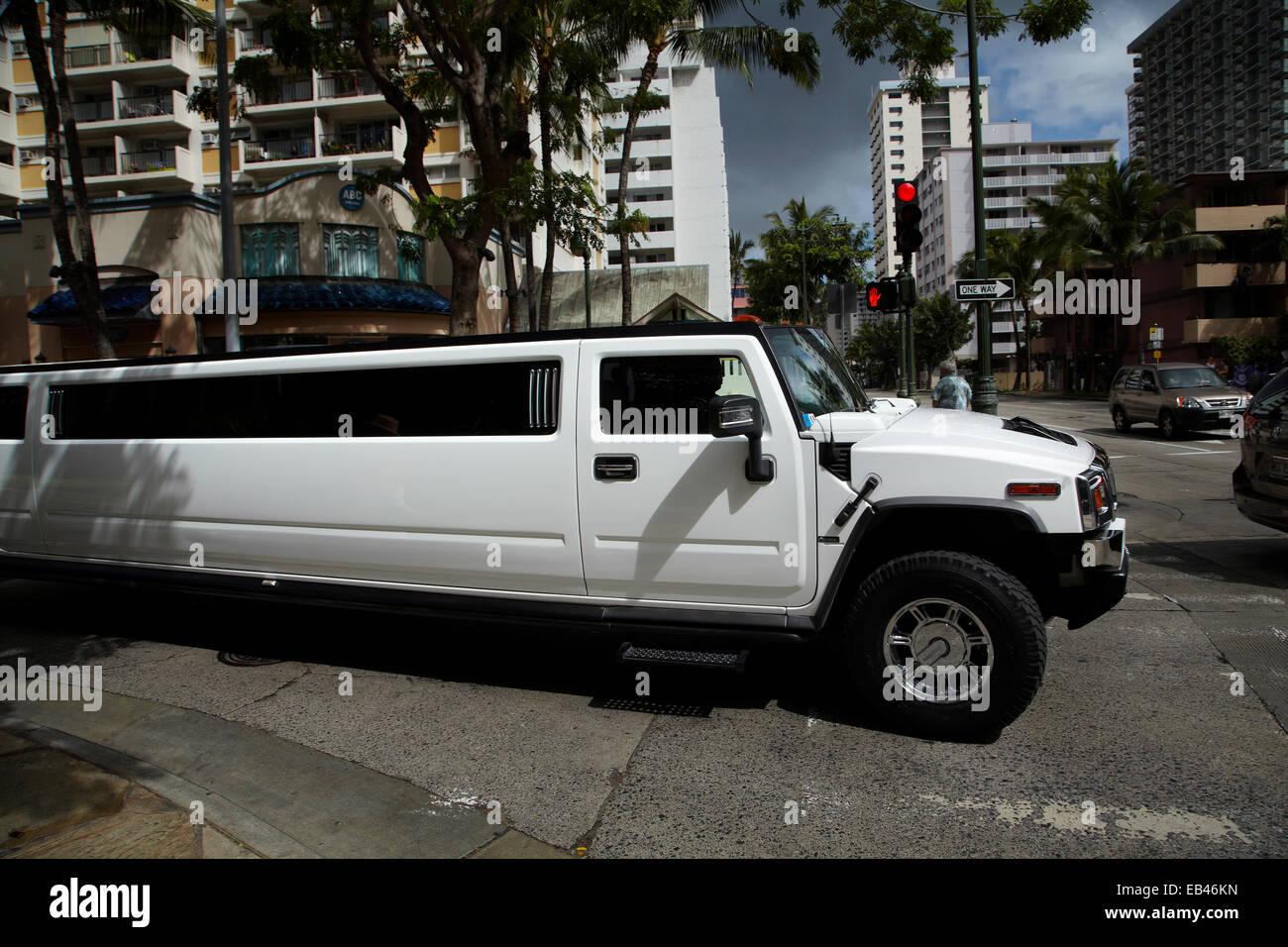 Hummer limousine, Waikiki, Honolulu, Oahu, Hawaii, USA - Stock Image