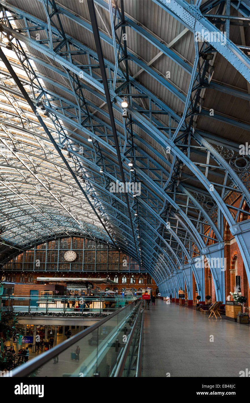 The Barlow Shed at London St Pancras train station - Stock Image