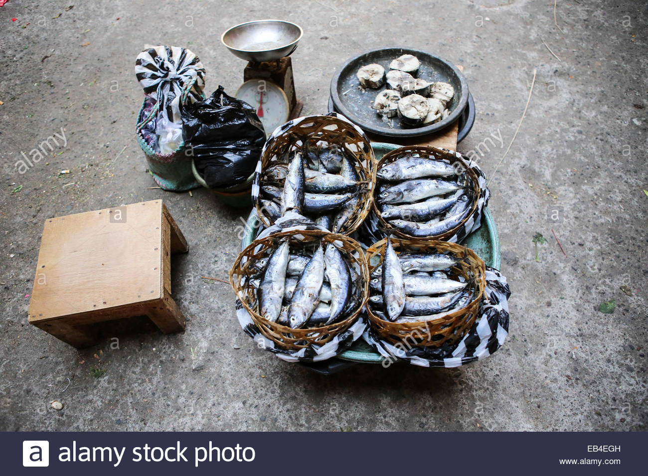Fish stall at the market - Stock Image