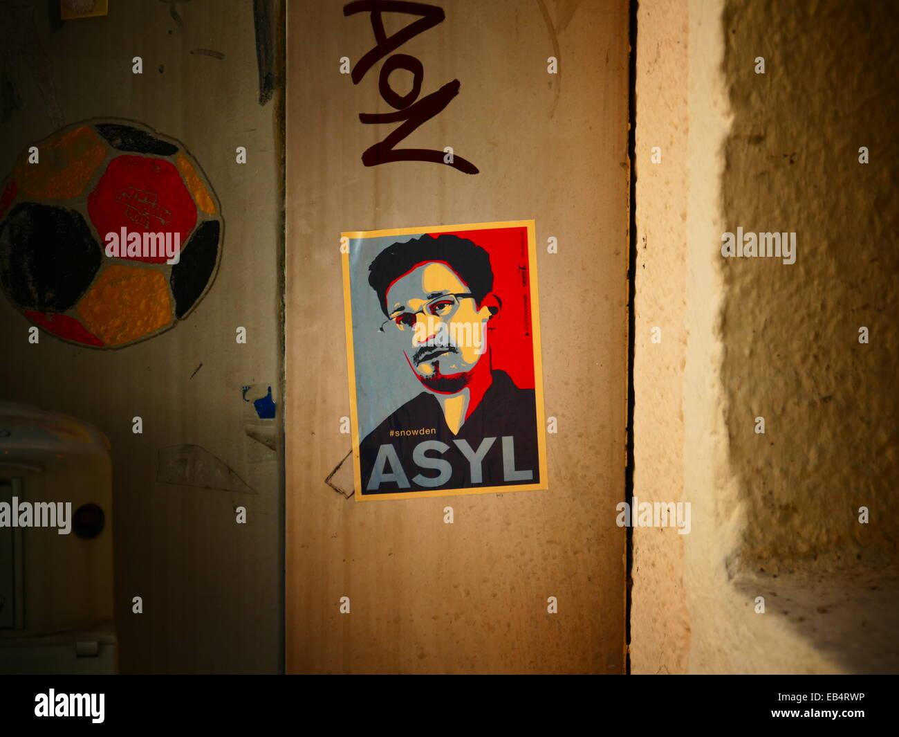 Whistle Blower Edward Snowdon Asyl label - Stock Image