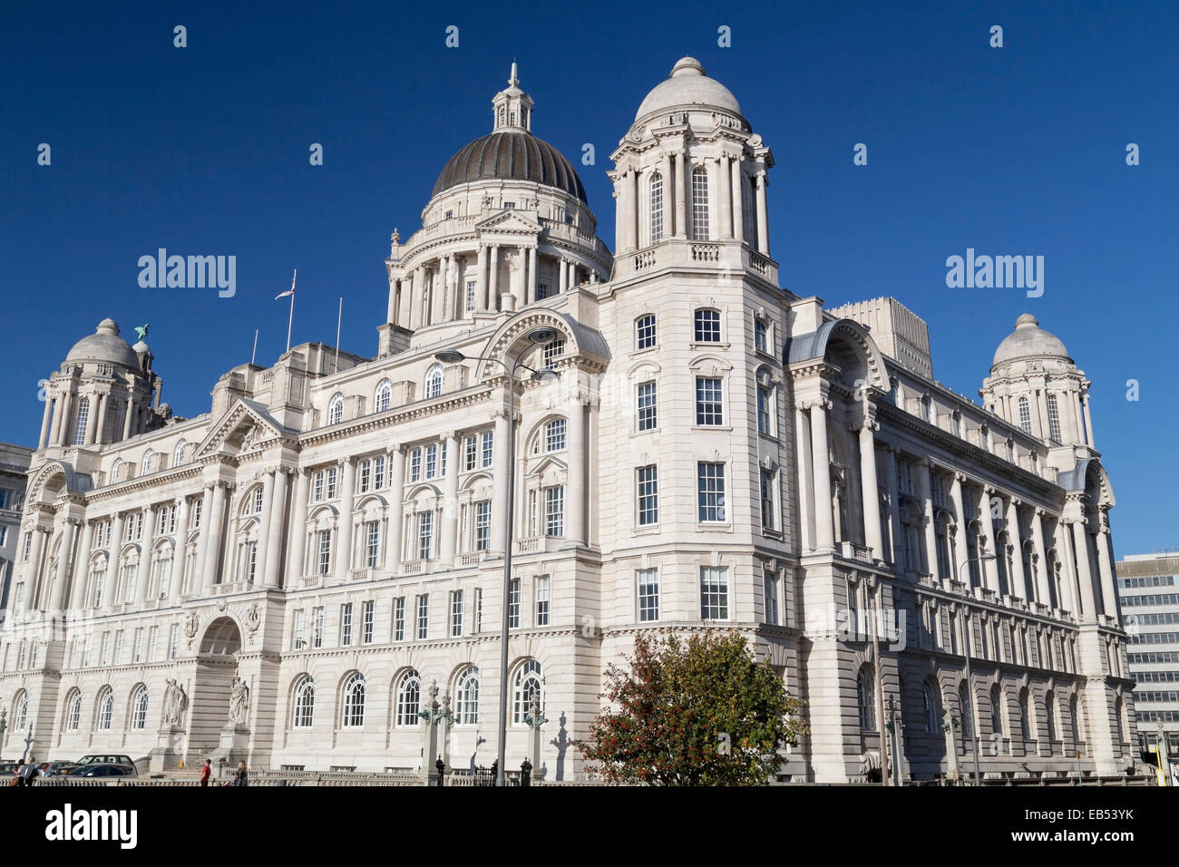 UK, Liverpool, the newly restored port of Liverpool building, beside the Royal Liver and Cunard building. - Stock Image