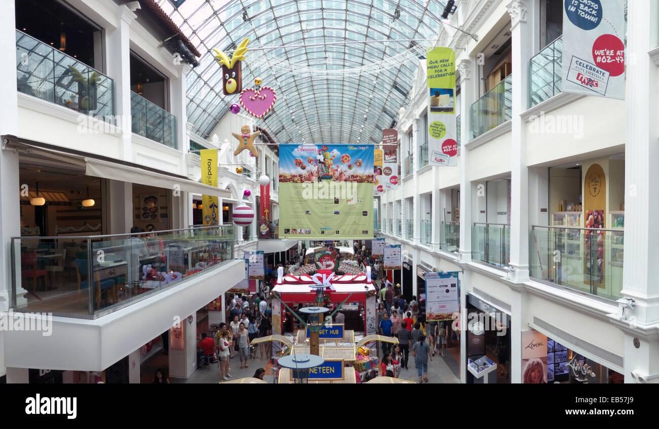 Singapore Shopping Mall in Bugis - Stock Image