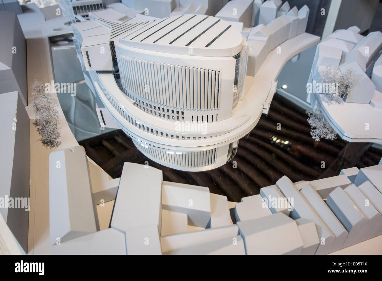 White scale model of modern building in city - Stock Image