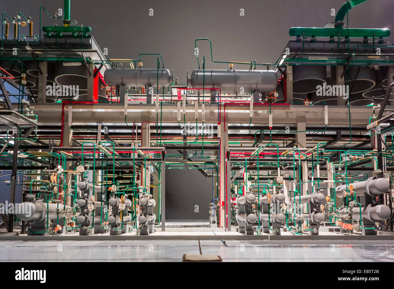 Scale model of a cracking unit in a Shell petroleum refinery - Stock Image