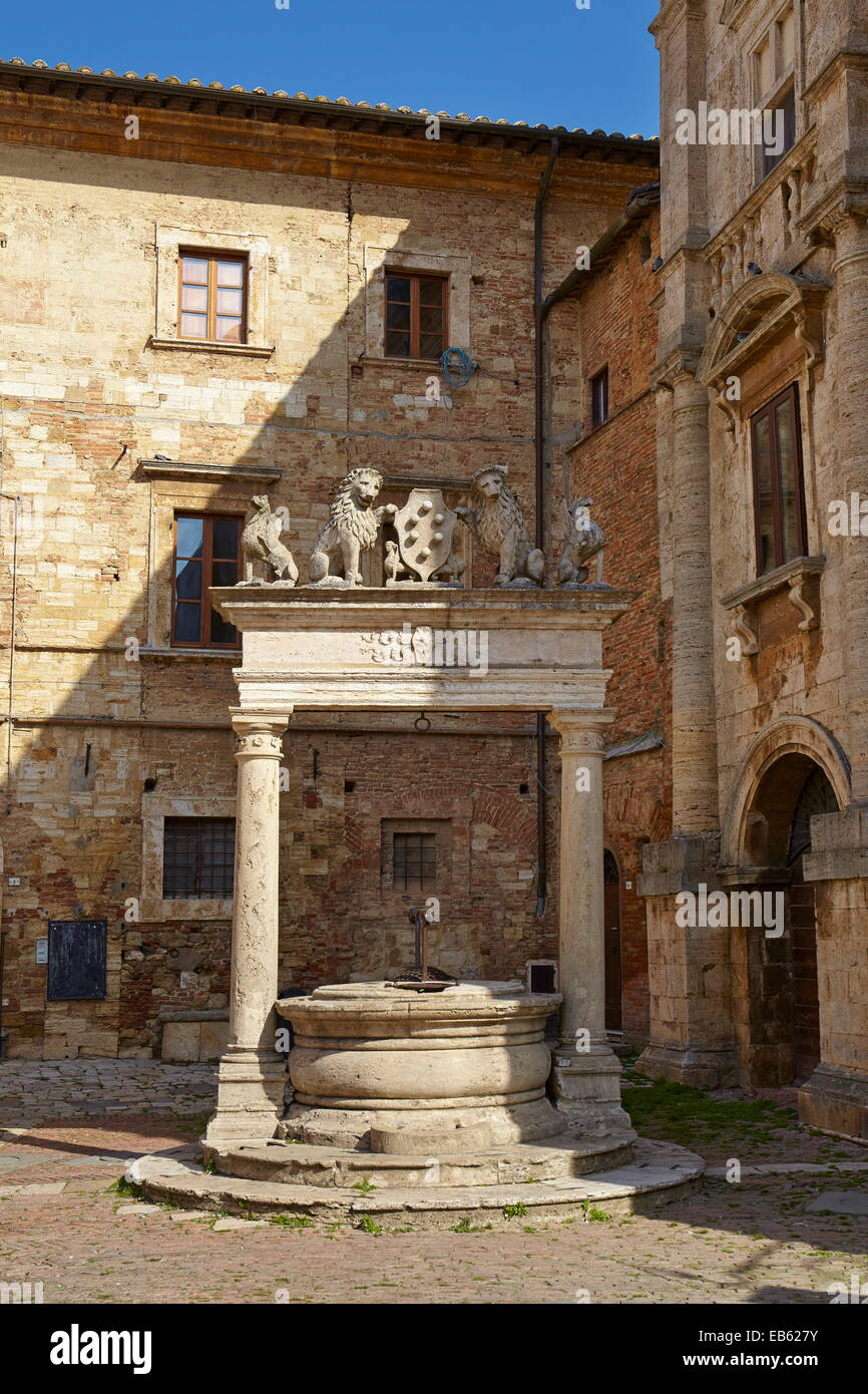 Water well in the historic village of Montepulciano, Italy - Stock Image