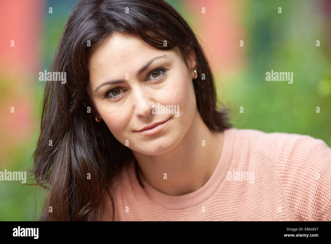 35 year old woman dating