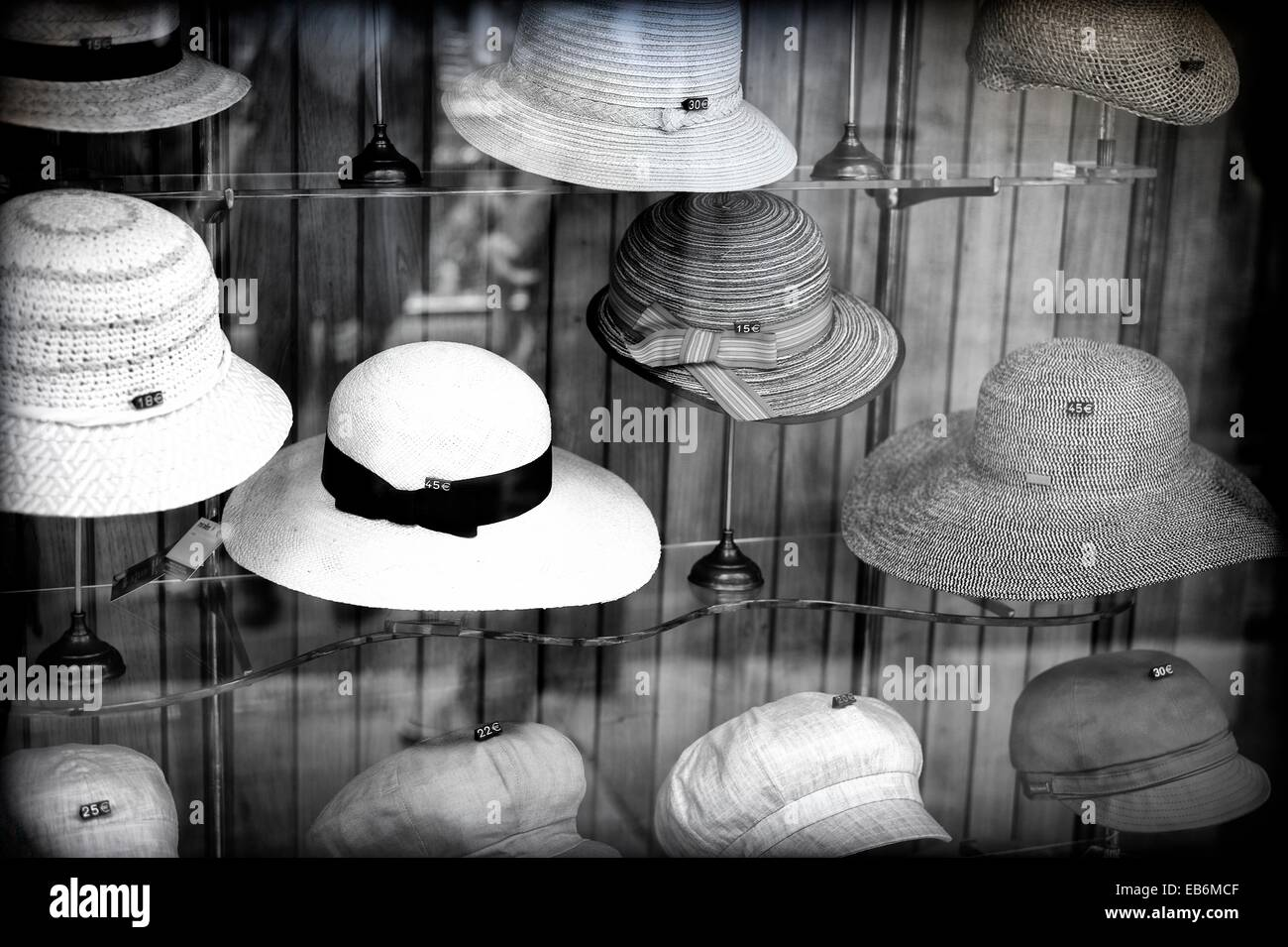 Store showcase classic hat shop in the center of Barcelona Stock ... 70528bf51fe