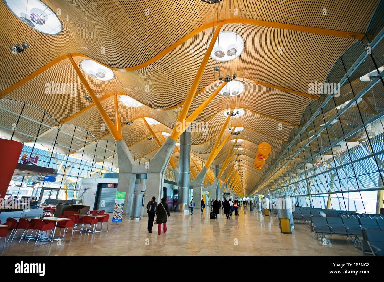 Madrid International Airport: photos and descriptions, terminals, flights and passenger reviews 8