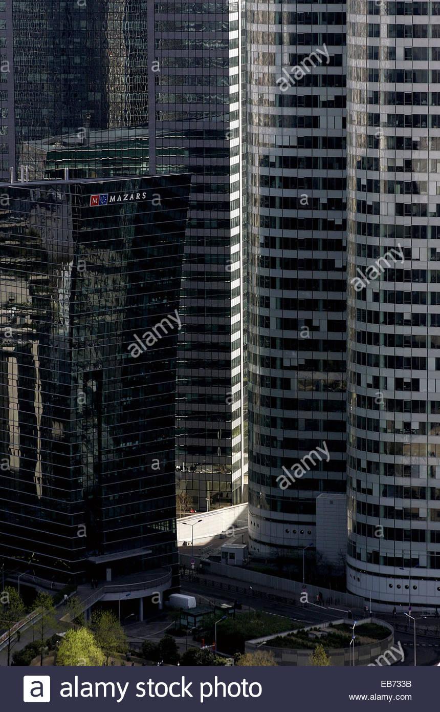 Buildings in la Defense, Paris. - Stock Image