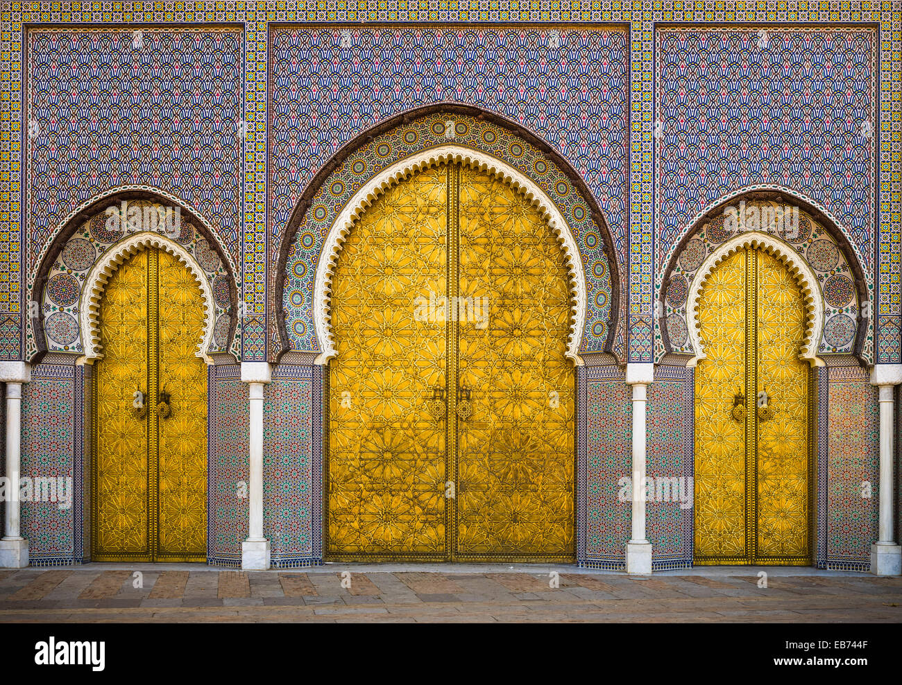 PALACE GOLD DOORS FES FEZ MOROCCO & PALACE GOLD DOORS FES FEZ MOROCCO Stock Photo: 75759615 - Alamy