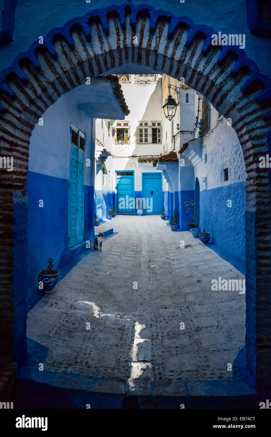 BLUE STREET CHEFCHAOUEN MOROCCO AFRICA - Stock Image