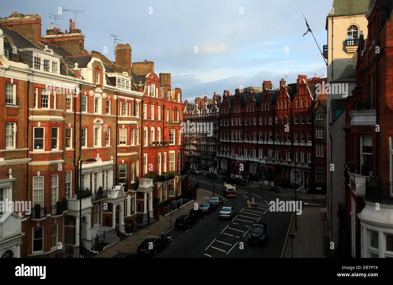 London Apartment Buildings Stock Photos & London Apartment Buildings ...