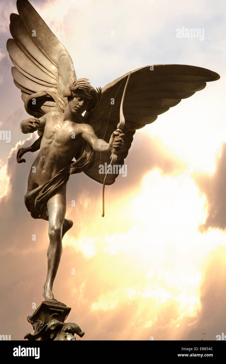 England, London, Piccadilly Circus, Shaftesbury Memorial Fountain, Eros Statue by Sir Alfred Gilbert. - Stock Image