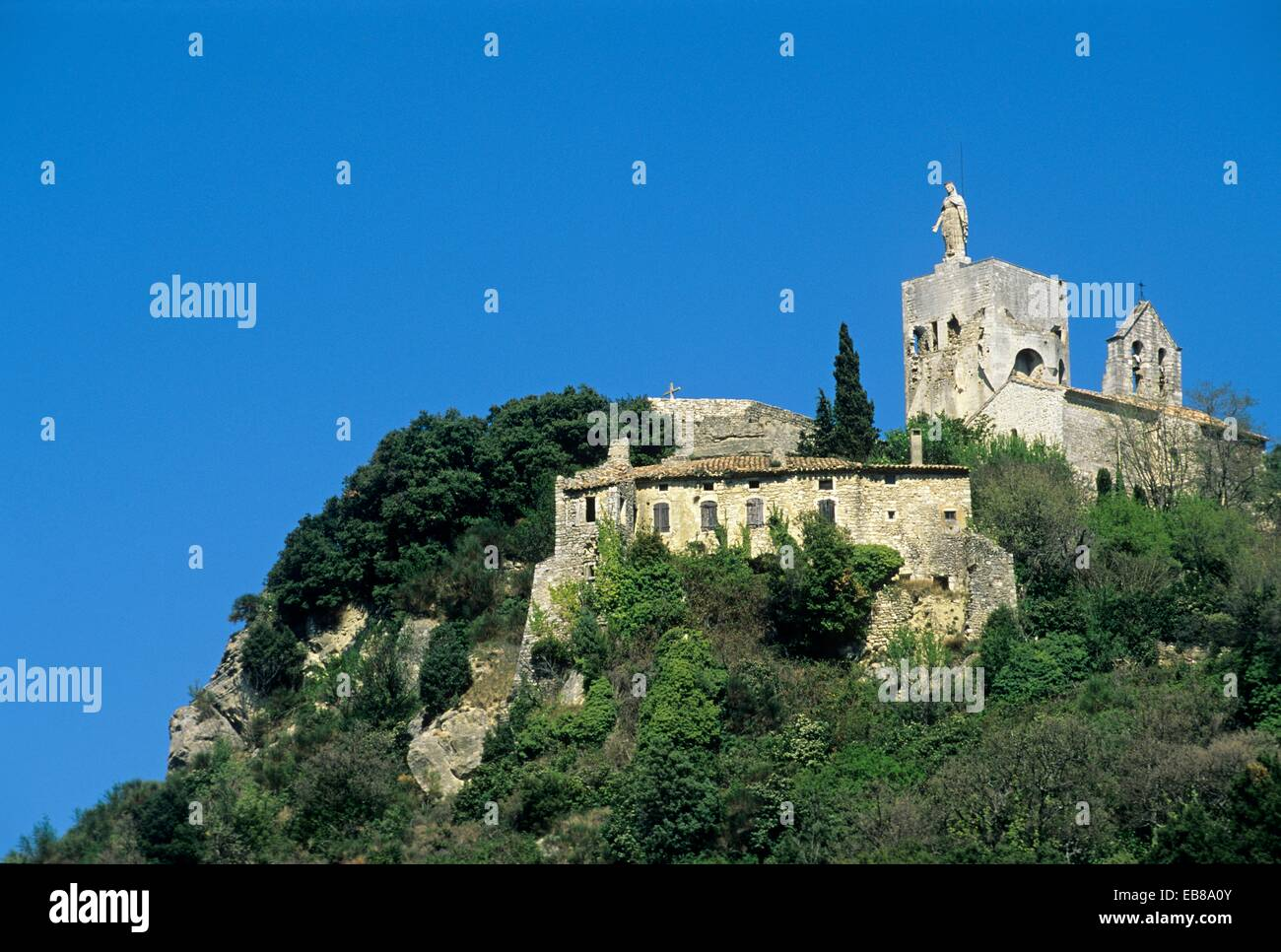 Knights Templar Tower overlooking the village of Clansayes, Drome department, region of Rhone-Alpes, France, Europe - Stock Image