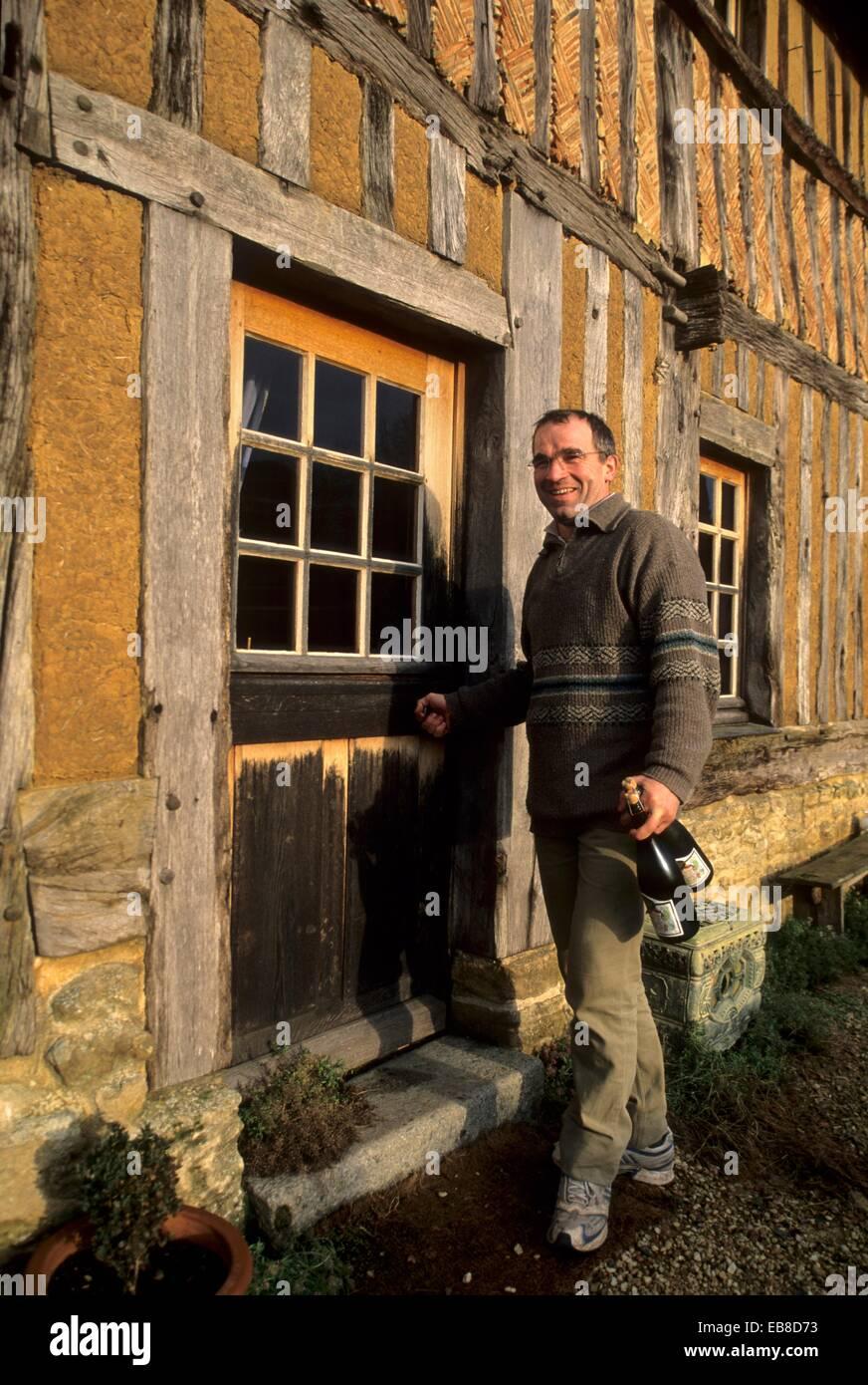 Luc Bignon producteur de cidre,jus de pomme,Pommeau et Calvados ferme du Pays d'Auge,Saint Laurent du Mont,departement Stock Photo