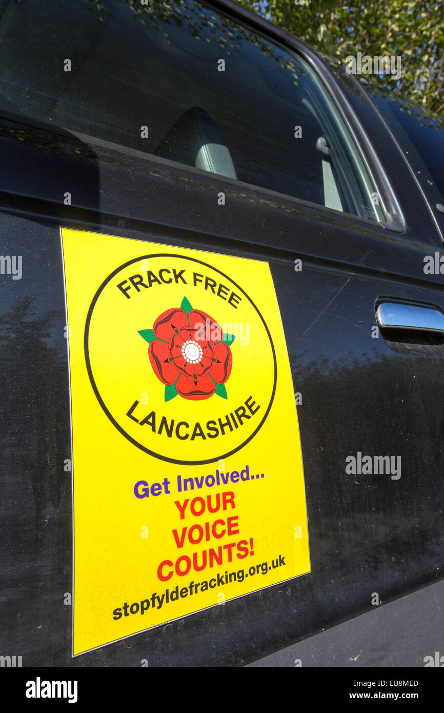 A protest banner against fracking at a farm site at Little Plumpton near Blackpool, Lancashire, UK, where the council - Stock Image