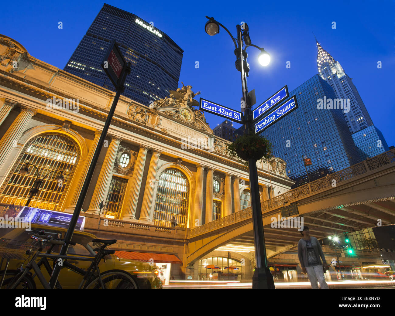 East 42nd Street and Park Avenue street sign Grand Central Station or Grand Central Terminal Met Life building Pershing - Stock Image