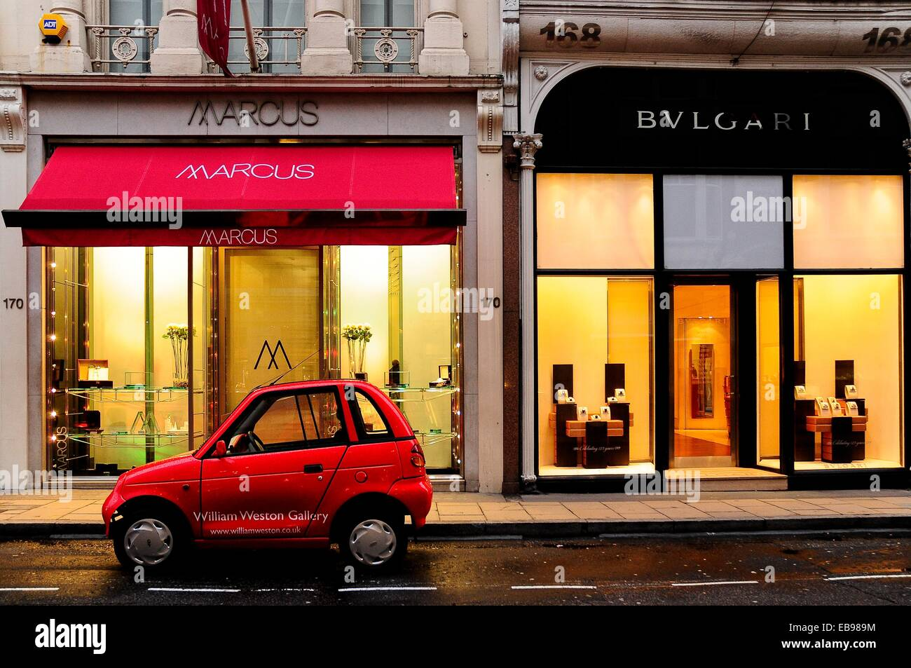 Boutiques in Mayfair, London, England, UK, Europe. - Stock Image