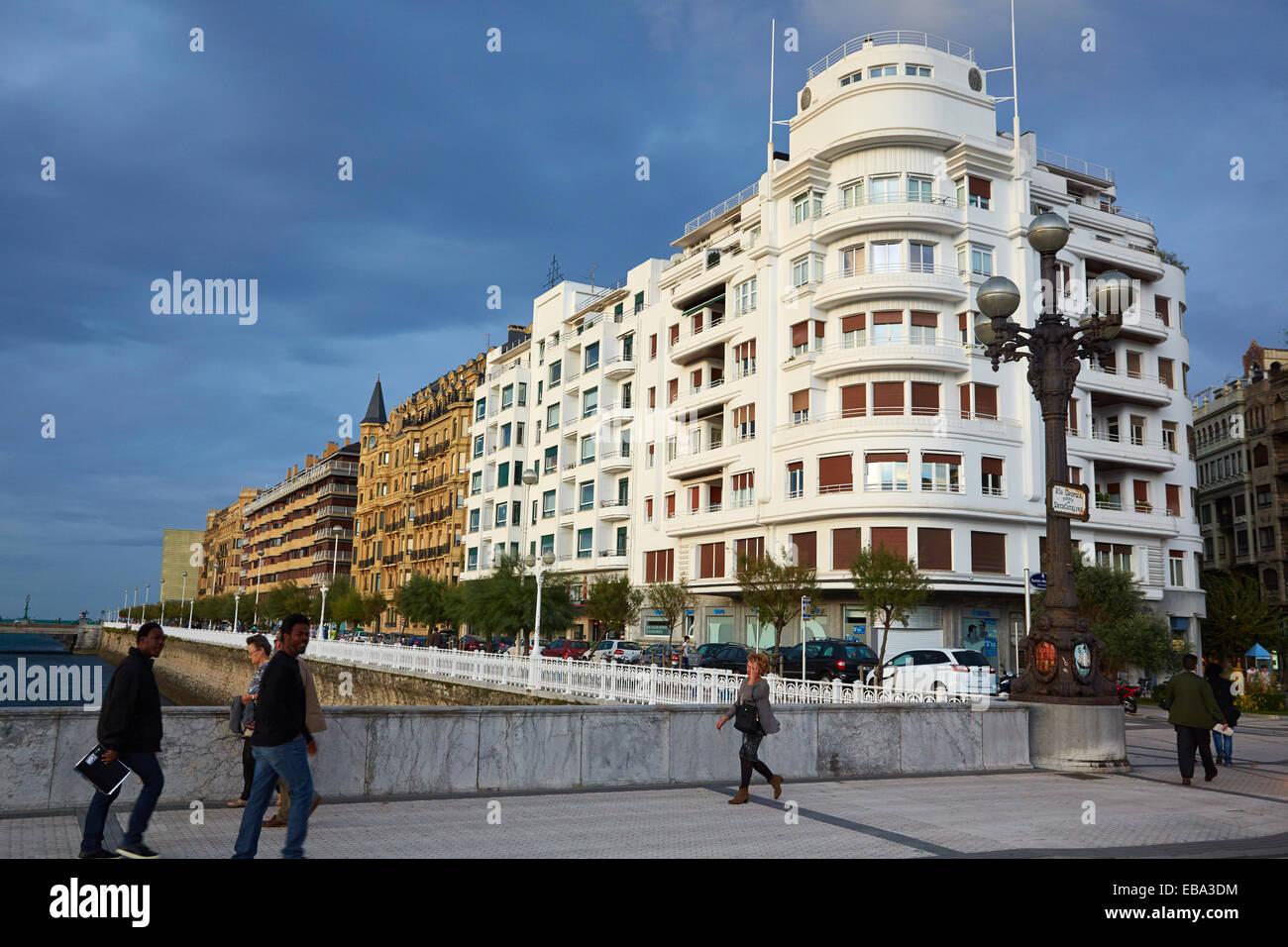 Paseo Ramon Maria Lili, Gros quarter, Donostia (San Sebastian), Gipuzkoa, Basque Country, Spain - Stock Image