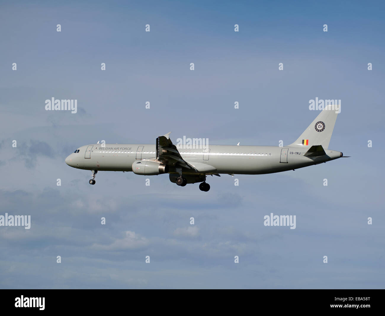 New Zealand Royal Air Force Transport Freight 757 Aircraft arriving at RAF Lossiemouth, Scotland.  SCO 9242 - Stock Image