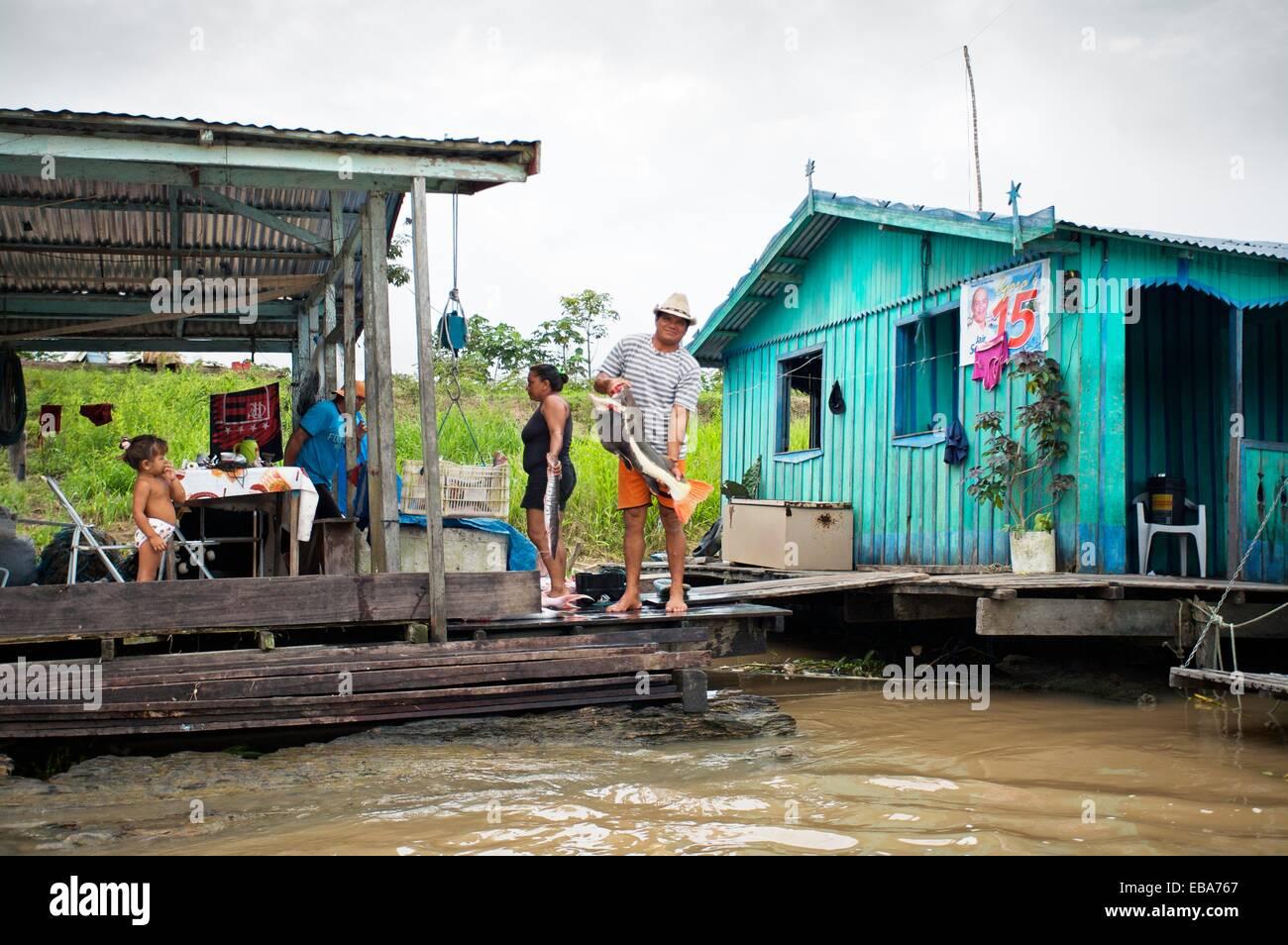 Manaquiri Amazonas fonte: c8.alamy.com