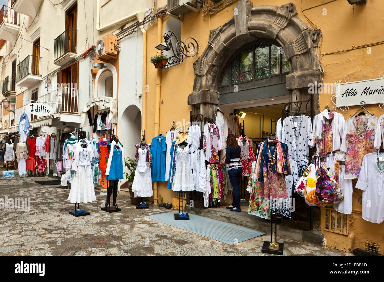 Online shopping italy clothing