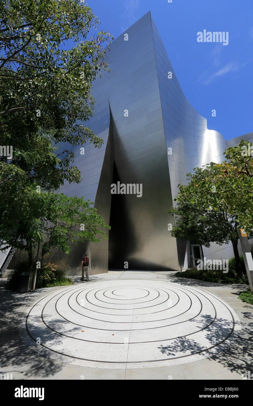 Walt disney concert hall garden garden ftempo for St patrick s church palm beach gardens
