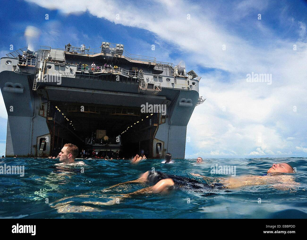 CARIBBEAN SEA Sept  22, 2010 Service members embarked aboard the multipurpose amphibious assault ship USS Iwo Jima - Stock Image