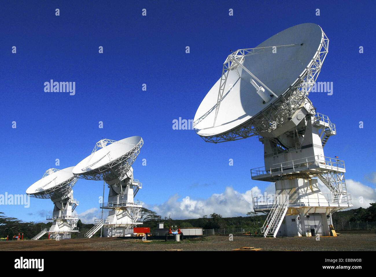 WAHIAWA, Hawaii (Nov. 3, 2008) The Mobile User Objective System (MUOS) located at Naval Computer and Telecommunications - Stock Image