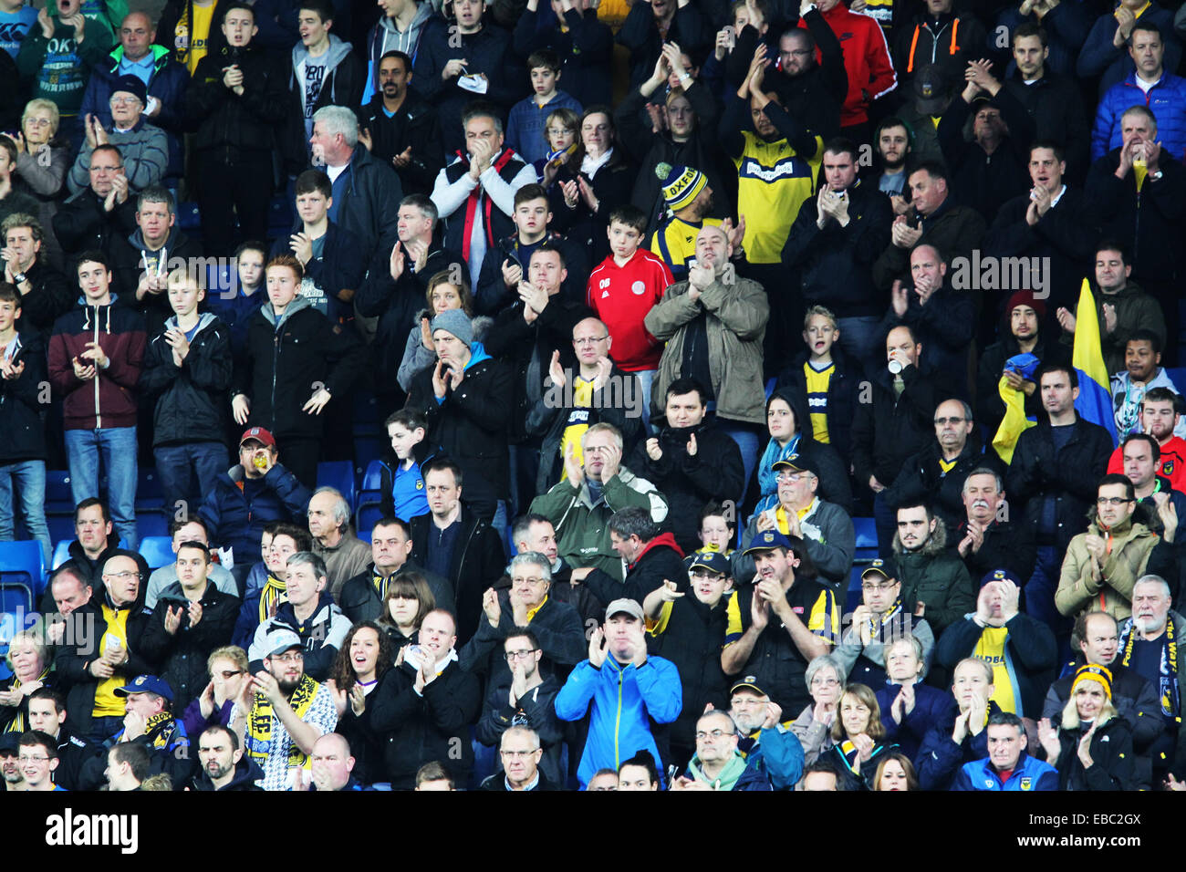 Kassam Stadium, Oxford Job name: sport Notes: FOOTBALL: Oxford United v AFC Wimbledon Pictured here is Oxford fans. Stock Photo