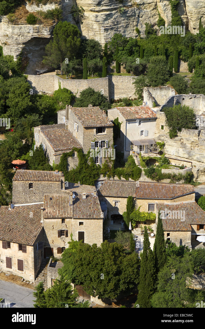 Overview of Gordes village, labeled The Most Beautiful Villages of France, Vaucluse department, Provence-Alpes-Cote - Stock Image