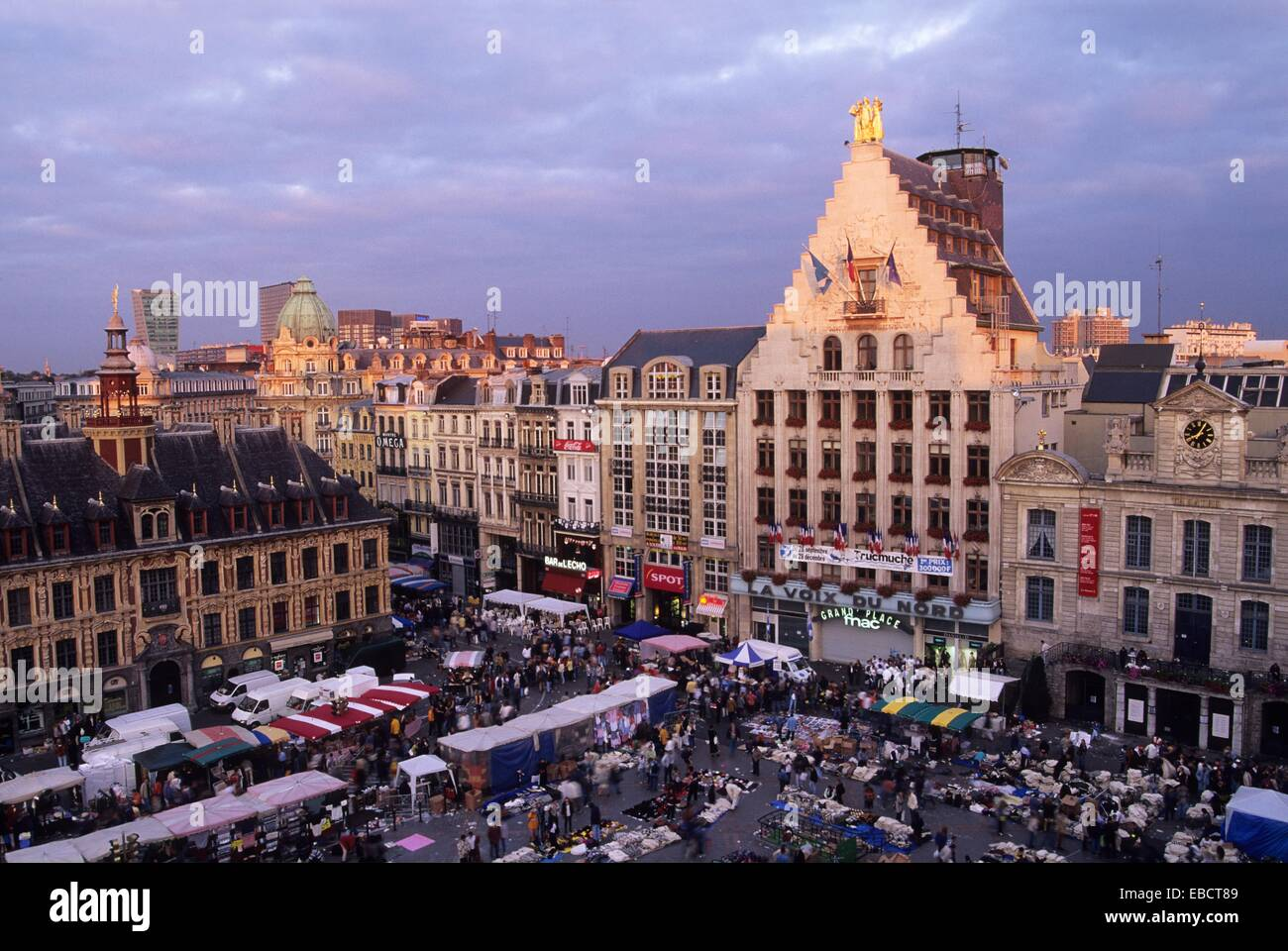 Braderie, street market on Grand Place, Lille, Nord department Stock ...