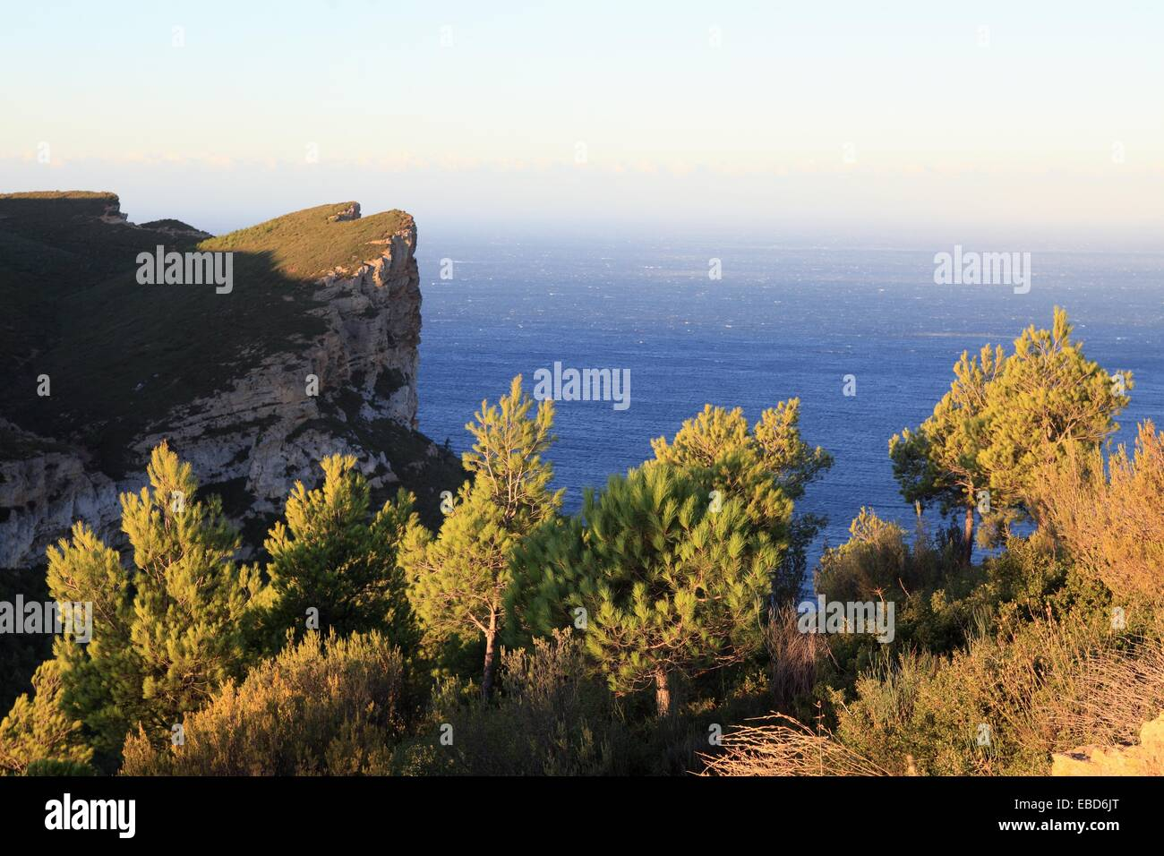 around body of water Bouches du Rhône call canopy Cassis Charlemagne cliff coast coastal color image couronne - Stock Image