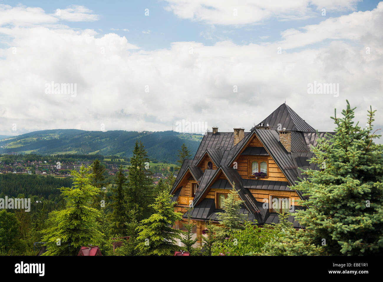 Lodge on the skirts of the Tatra Mountains in the city of Zakopane, Poland. - Stock Image