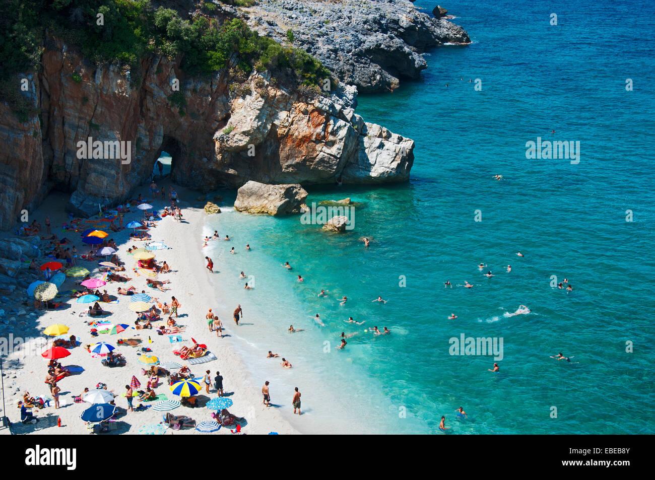 Busy beach of Milopotamos on Pelion Peninsula, Thessaly, Greece - Stock Image