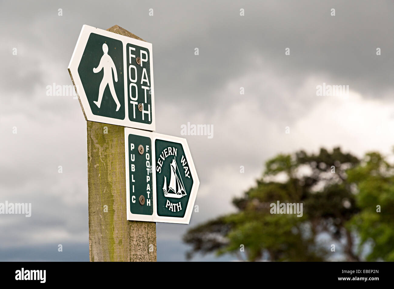 Severn Way footpath sign, River Severn at Salthouse, England, UK - Stock Image