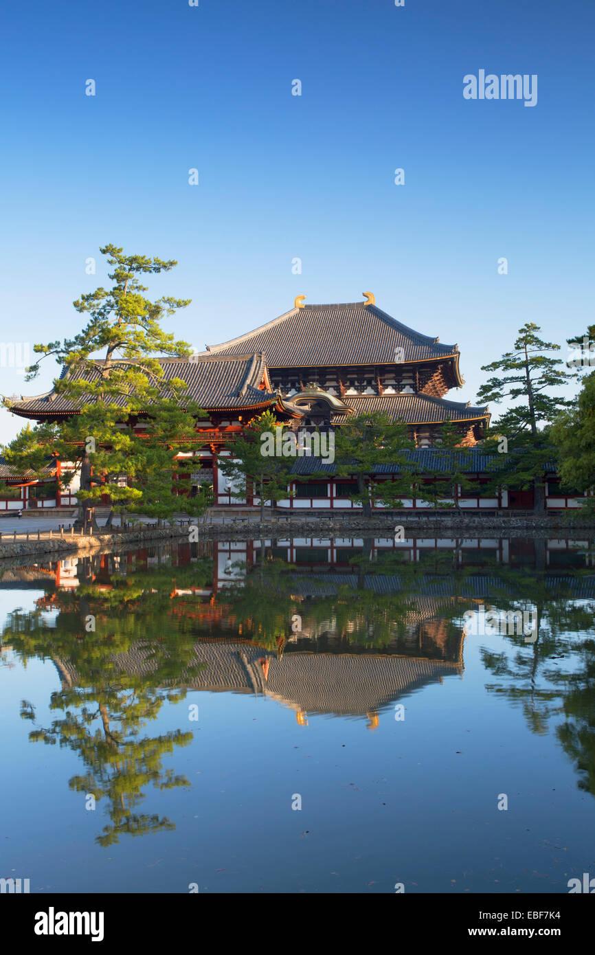 Todaiji Temple (UNESCO World Heritage Site) at dawn, Nara, Kansai, Japan - Stock Image
